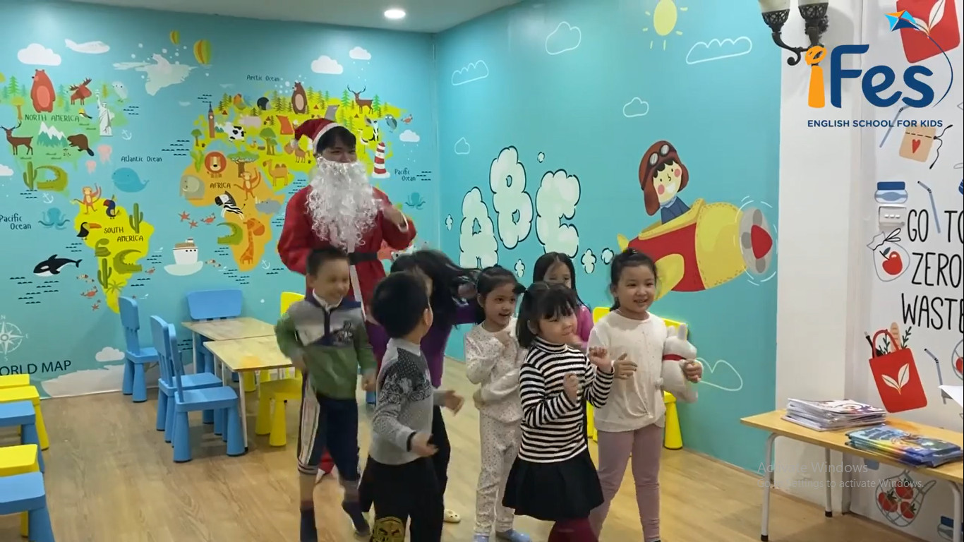 Santa Claus is coming to iFes English in 2020