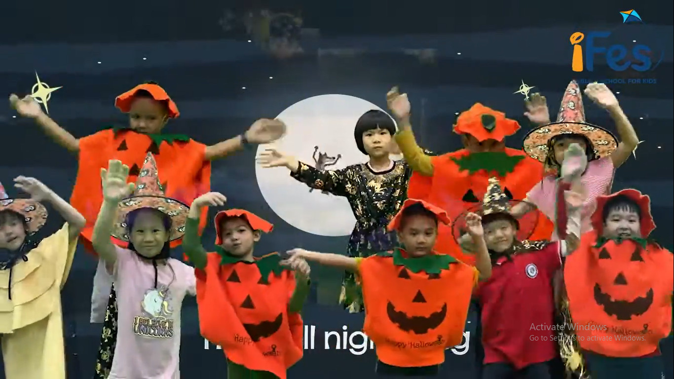 Happy Halloween 2020 from iFes English